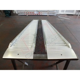 Aluminium ramps with border 3 to - 3 m