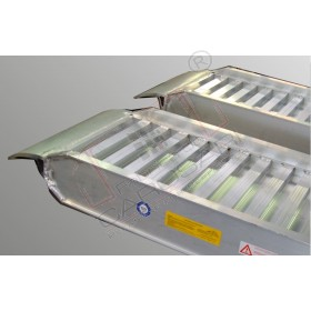 Aluminium ramps  with border 4 to - 4 m